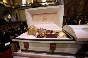 The-body-of-Pope-Shenouda-003